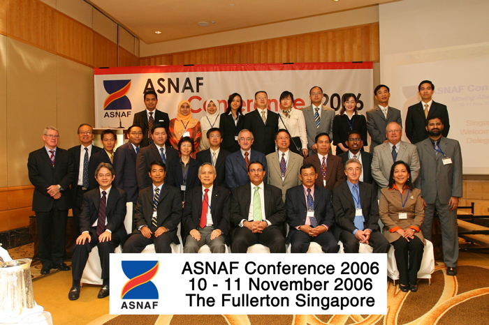 Delegates with Guest-of-Honour Mr S Iswaran