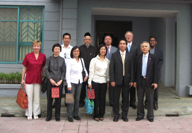 ASNAF members visiting ASNAF Hanoi office building